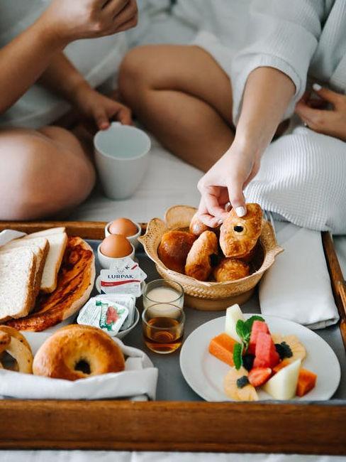 Coppia a colazione