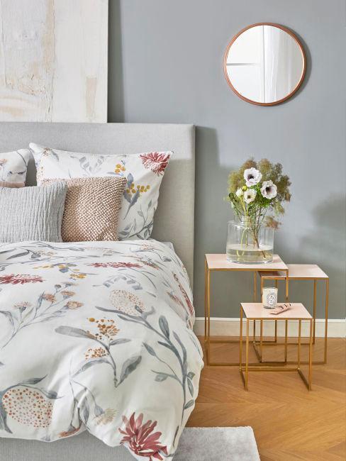 Dettaglio camera da letto romantica