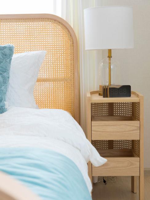 Camera da letto rustica moderna