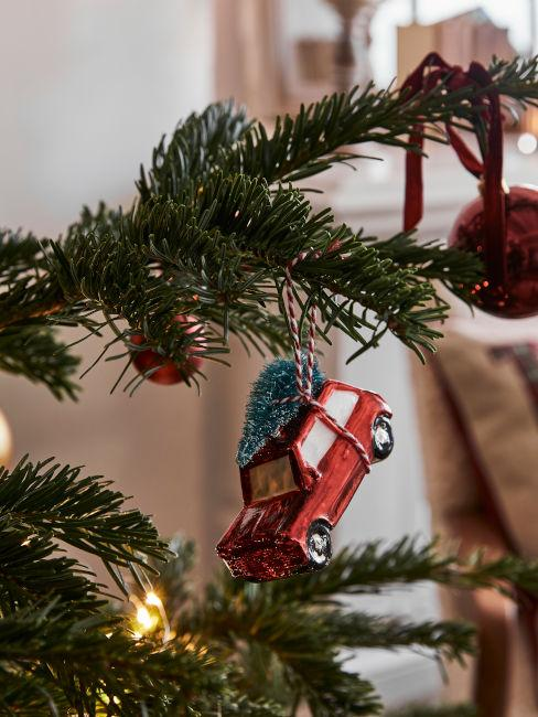 Decorazione natalizia a forma di macchinina