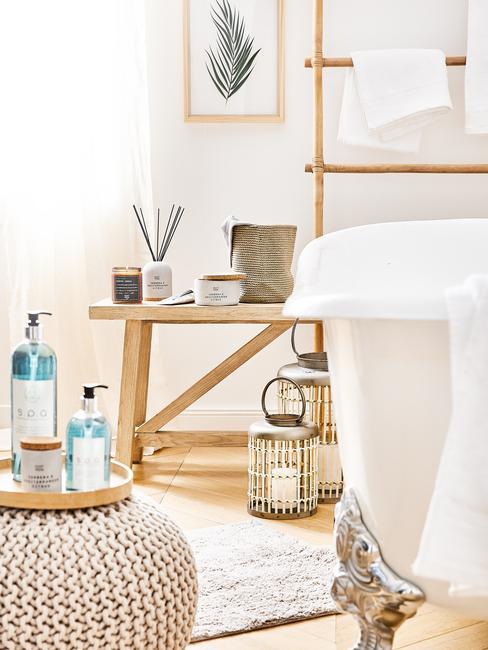badkamer krukje en handzeep