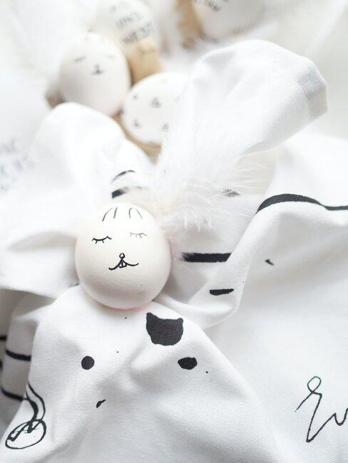 Zelf paashaas knutselen van een ei