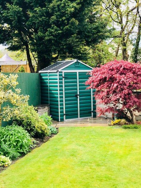 groen tuinhuis