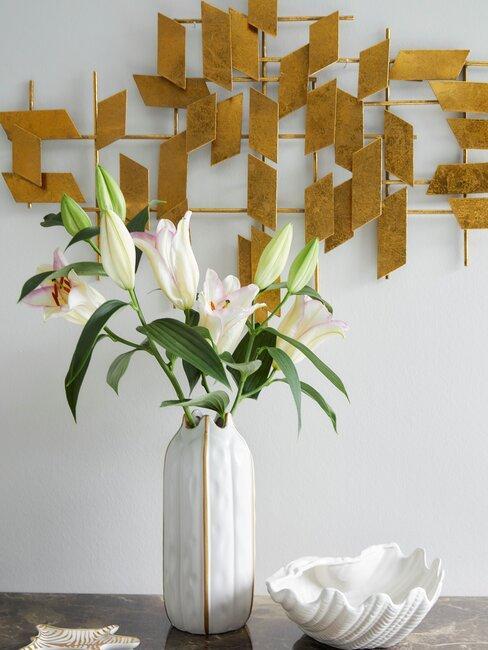 wanddecoratie met vaas