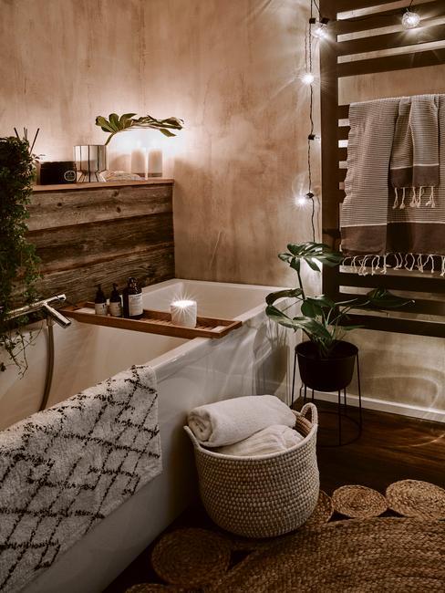 Geurkaarsen op badrek