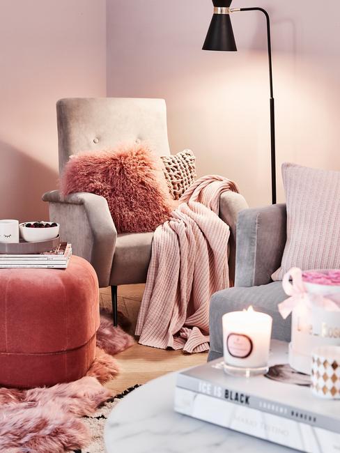 gezellige huiskamer met zachte materialen voor een rustig gevoel