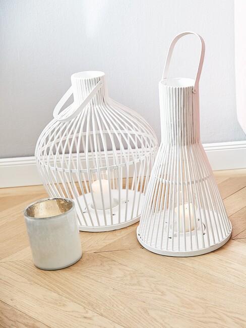 witte lampionnen in verschillende vormen