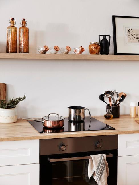lichte open keuken met hout