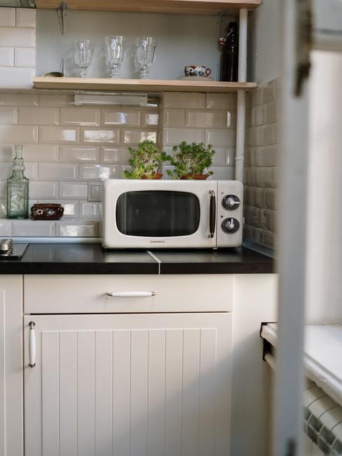Magnetronreinigen: retro-stijl keuken