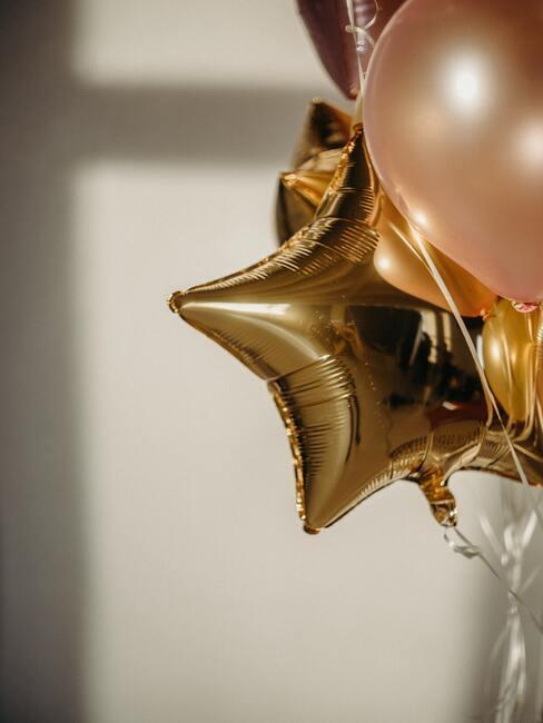 Gouden balonnen voor mooi suikerfuist decoratie