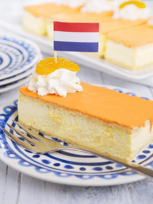 tompoes met nederlands vlaggetje