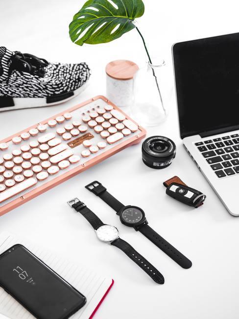 Timemanagement met 2 horloges en laptop