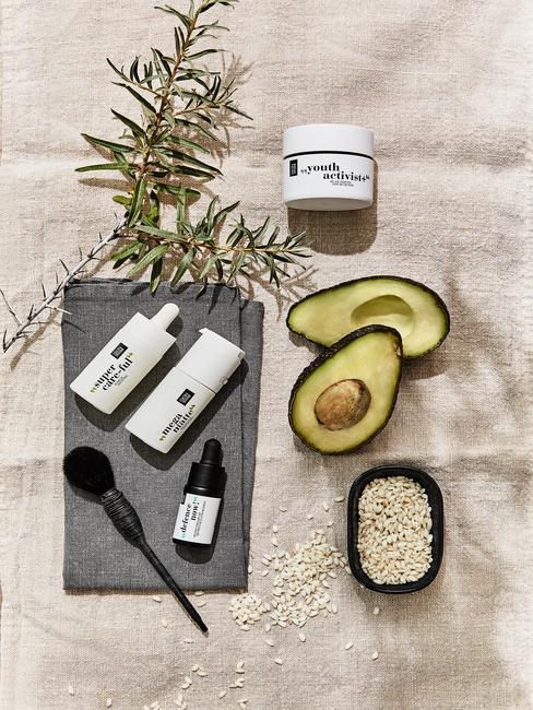 ingredienten om een gezichtsmasker te maken