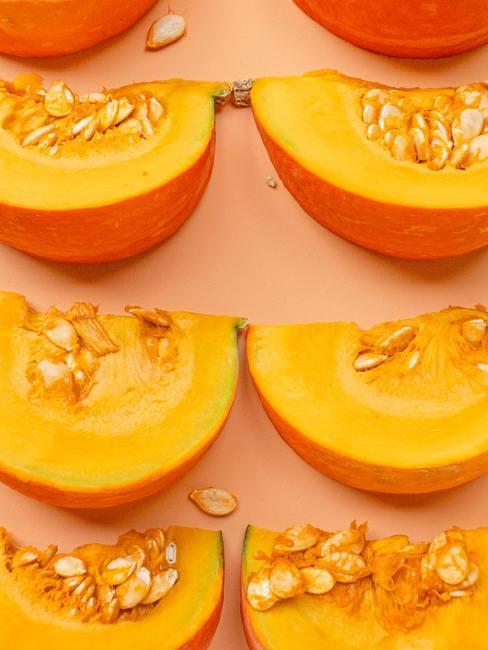 oranje meloen in stukjes gesneden