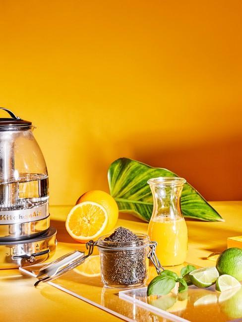 Oranje Keuken Achterwand met sinaasappelsap