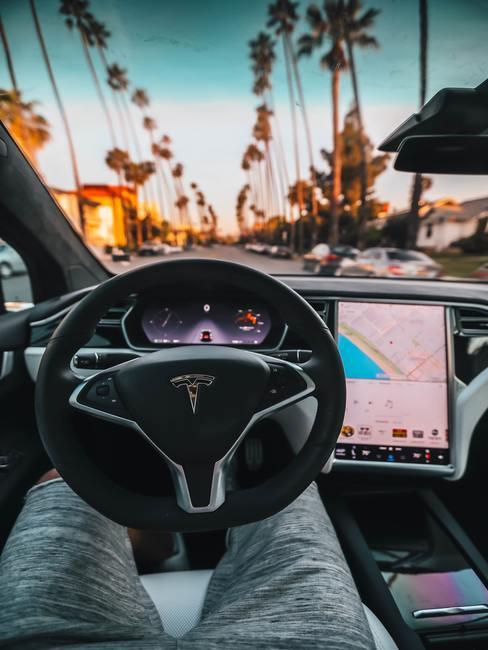 Elektrisch rijden in een Tesla