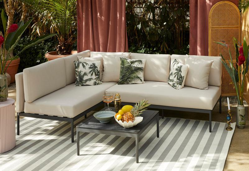 Outdoor lounge in Bohemian stijl
