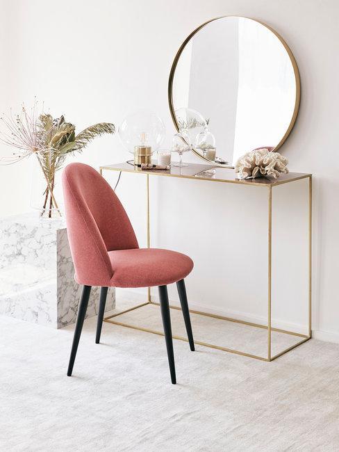 Moederdag gedicht grijs roze stoel combinatie met sitetable en ronde spiegel