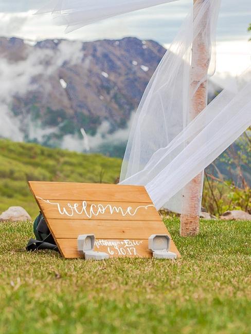 Houten decoratief Welkomstbord bruiloft in de boho-stijl