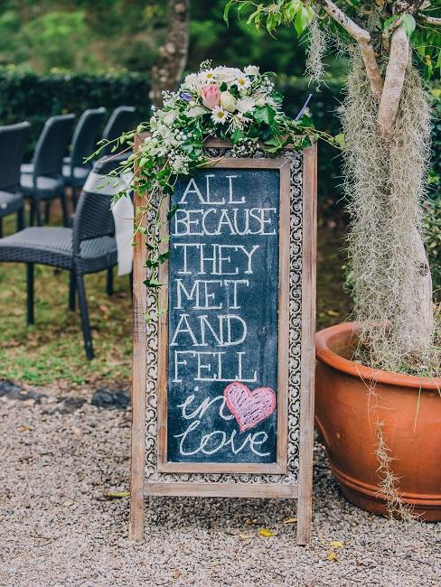 Decoratief Welkomstbord bruiloft met de tekst in boho-stijl