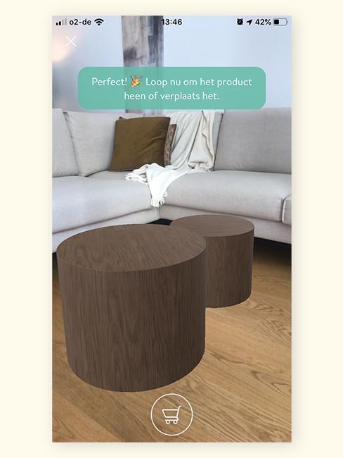 Augmented Reality houten salontafels rond voor bankstel in woonkamer