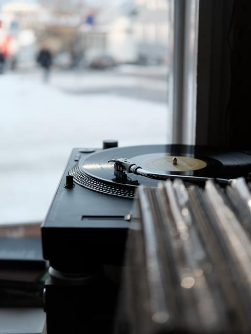 Vinyl platenspeler in retro stijl