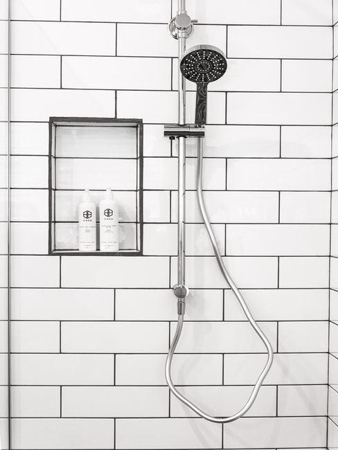 Kalk verwijdern badkamer tegels