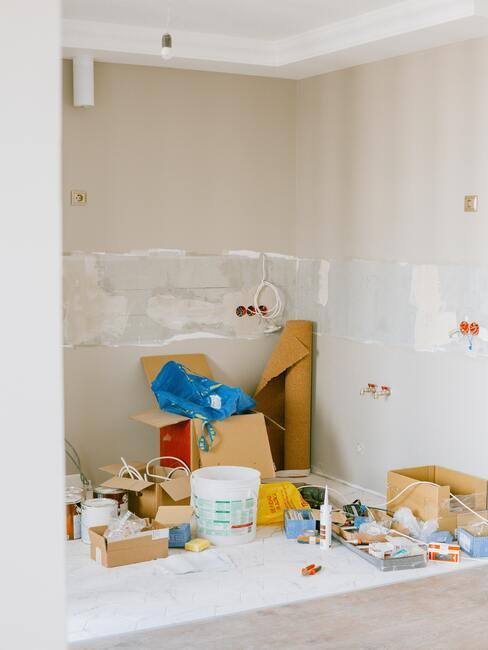 Kinderkamer schilderen: voorbereiding van de kamer om te schilderen