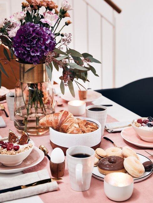 scandinavisch gedekte eettafel