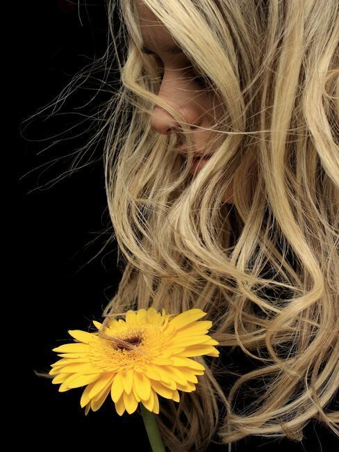 Krullend blond haar
