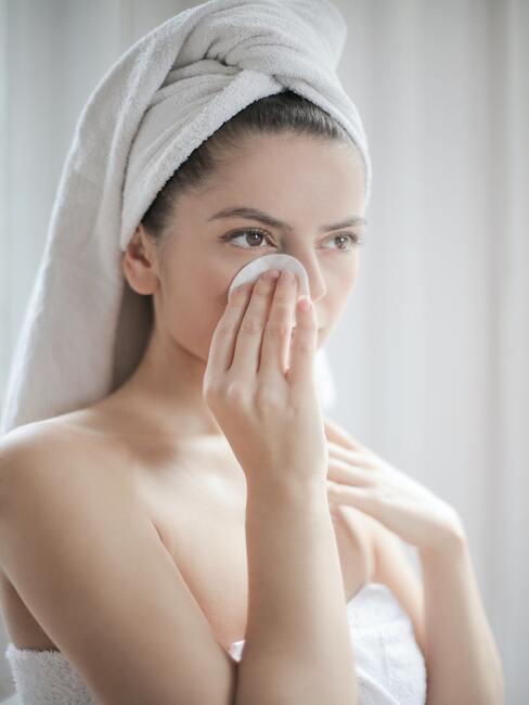 Gezicht reinigen make up vervijderen