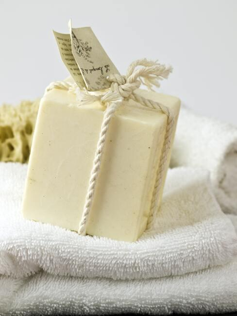 Natuurlijke zeep voor huid- en lichaamsverzorging