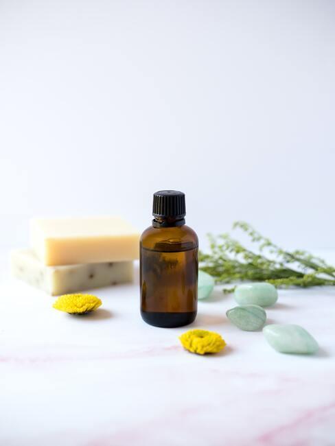 pluizig haar: Olie voor lichaams- en haarverzorging