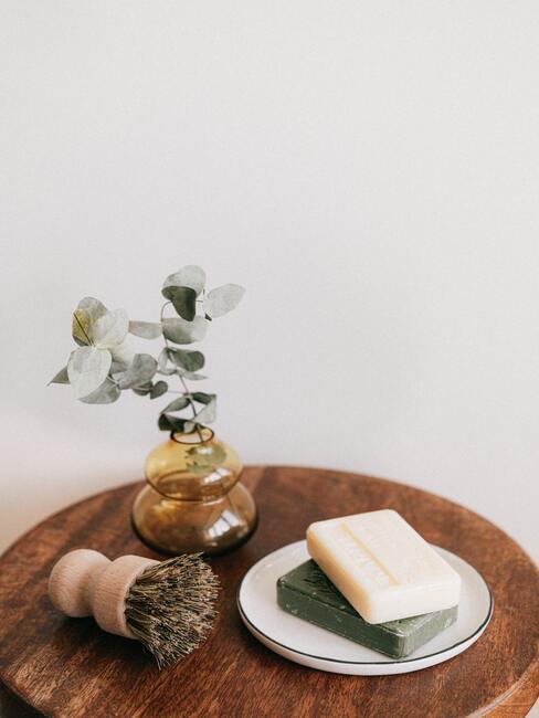 Home spa - tafel met zeep