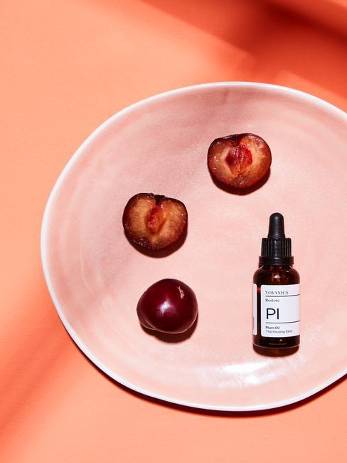 Gezichtsproduct van Voyage Organics met perzik