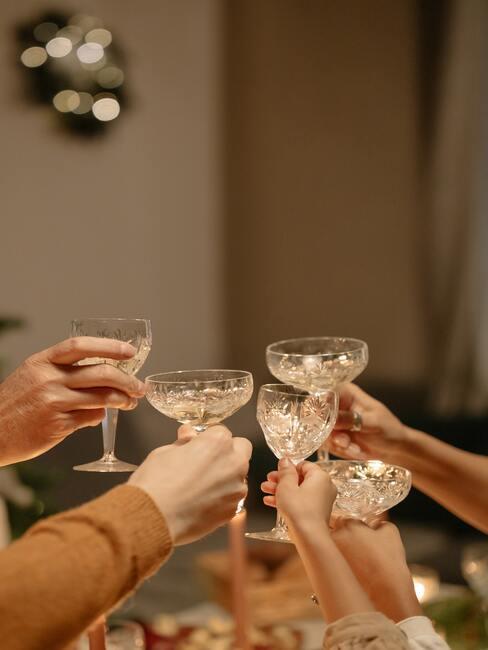 eten met vrienden: een toast