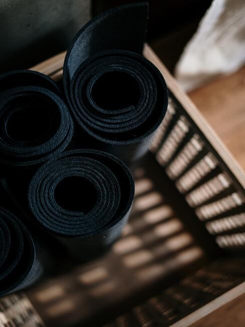 Yogamat in zwart