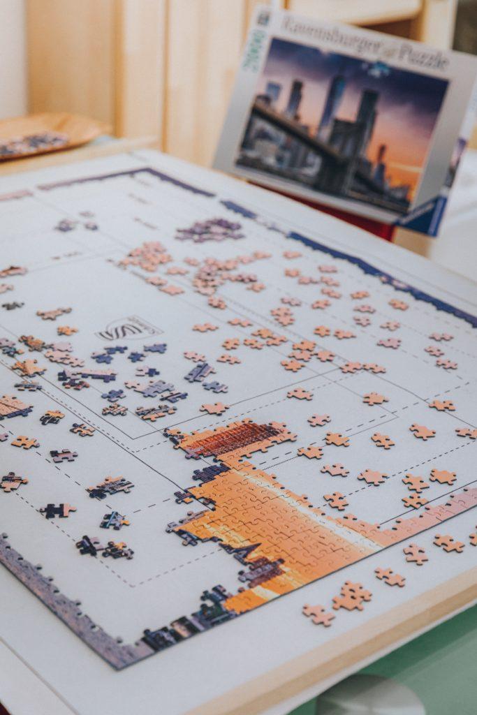 puzzel met puzzelstukjes