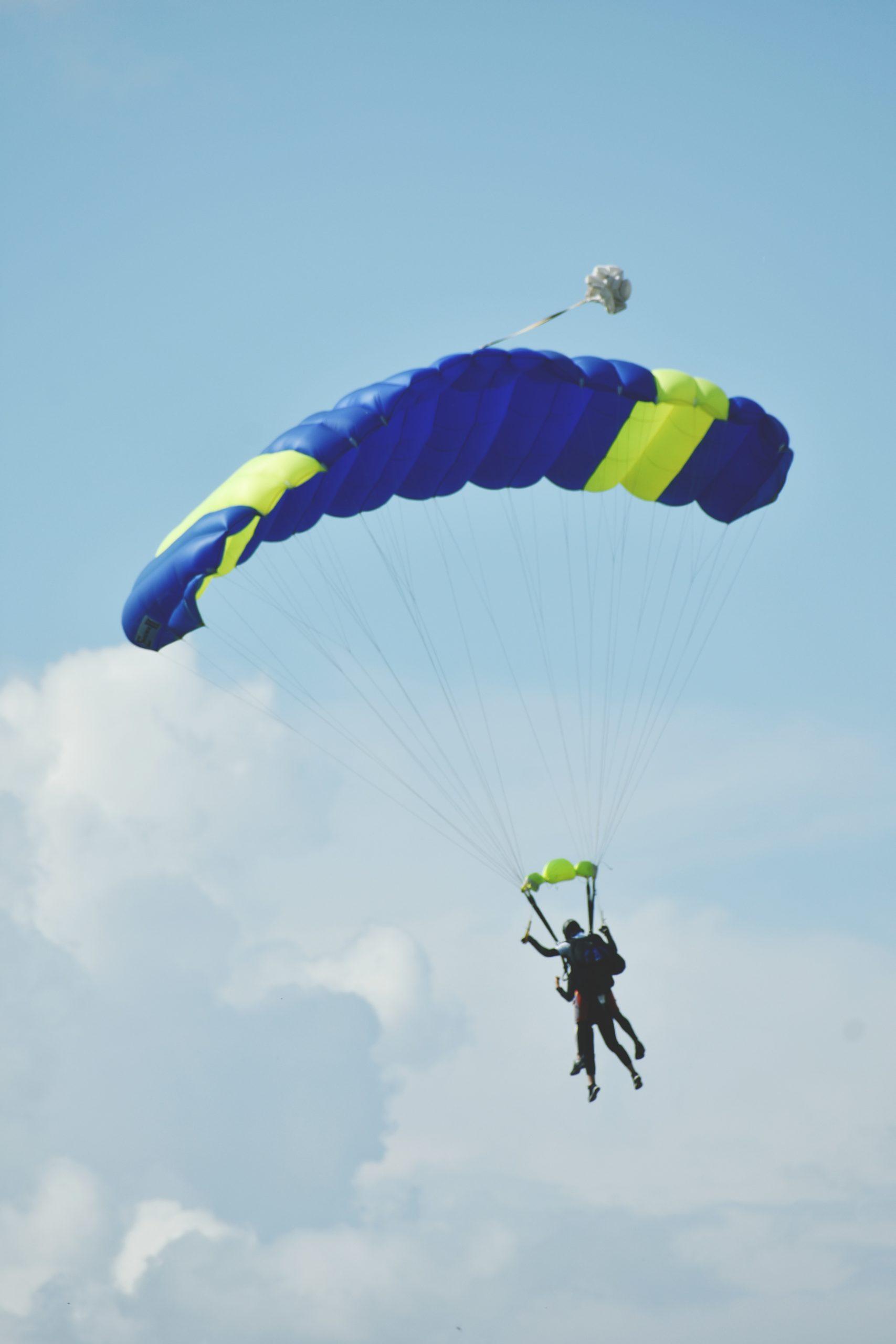 Skydiven als eerste date