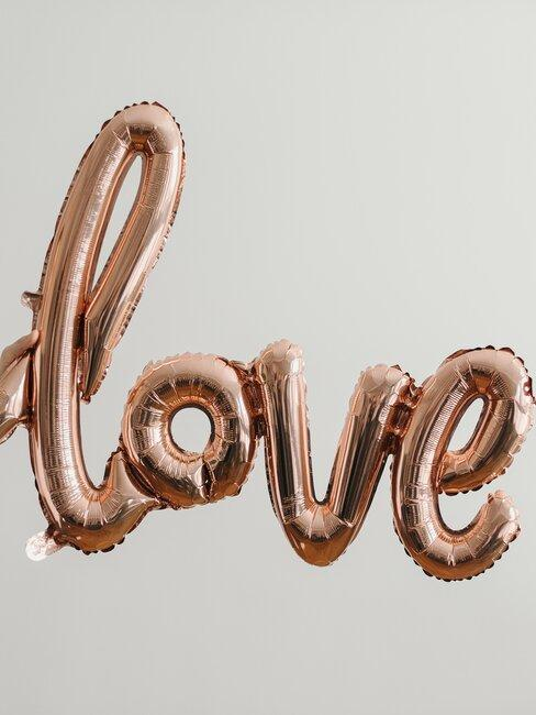 Ballon in met de tekst: Love