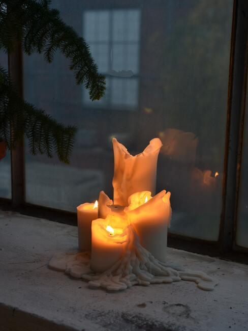 Decoratieve kaarsen met de hand gemaakt