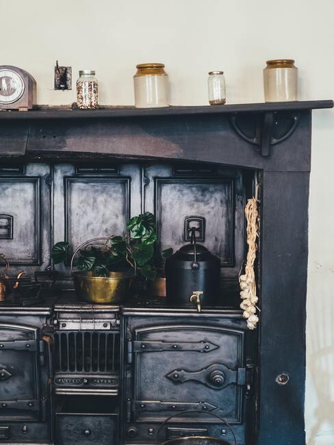 Zwarte keuken in country stijl