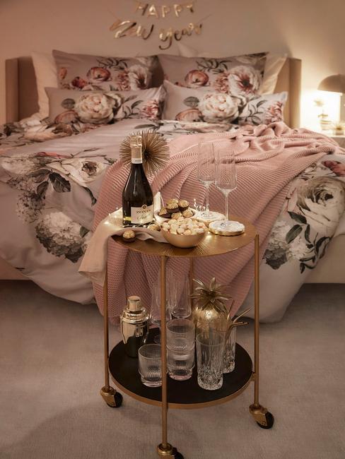 Bloemenpatronen in de slaapkamer komen veel terug in de slaapkamer trends 2021