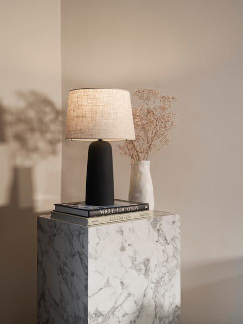 Marmeren bijzettafel lesleymet westwing tafellamp Kaya