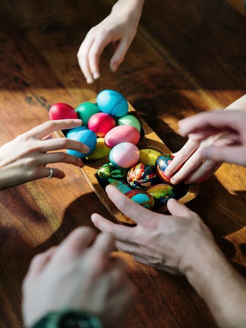 voorbereidingen voor Pasen met kinderen