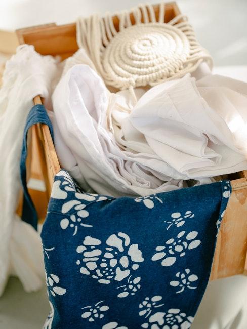 gewassen kleding met zelfgemaakt wasmiddel