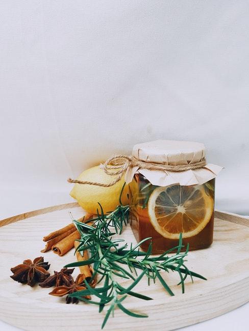 pittige thee met sinaasappel en kaneel