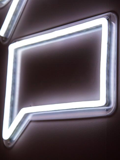 Neon praatwolk