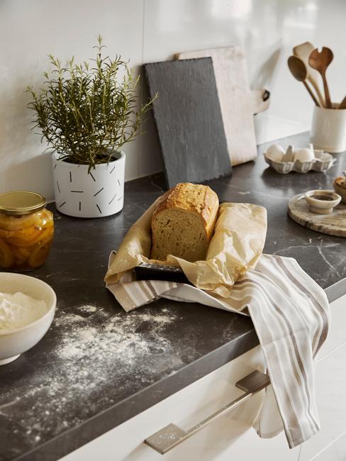 Paasbrood vers gebakken