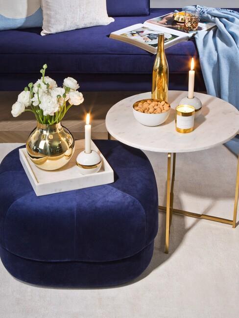 details donkerblauw interieur met gouden details